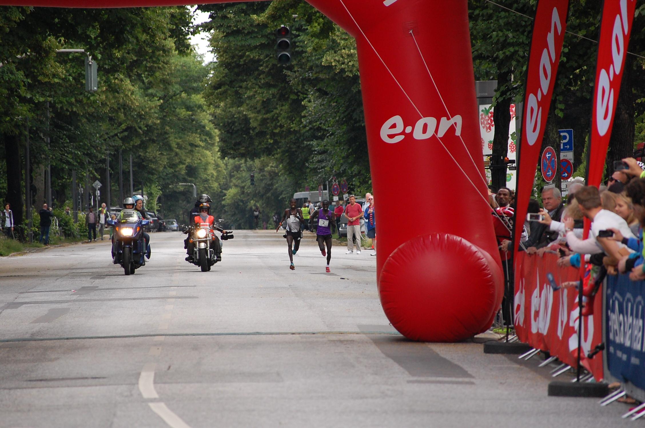 22. hella Halbmarathon: Ziellinienduell!